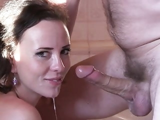 Homemade blowjob brunette